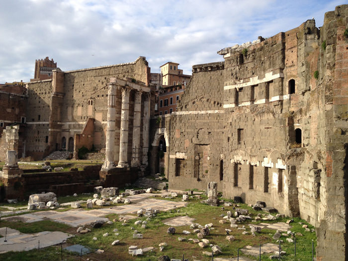 never-north-roma-ruins