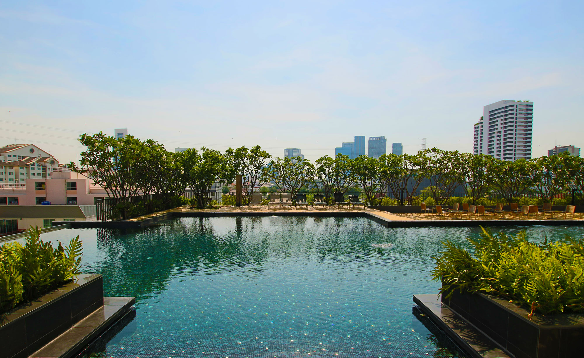 Rooftop Pool - Bangkok